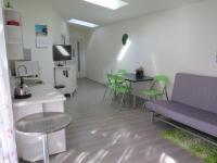 Obývací pokoj s kuchyňským koutem - Pronájem bytu 2+kk v osobním vlastnictví 45 m², Praha 4 - Hodkovičky