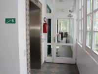 Vstupní chodba k bytu pod uzamčením - Pronájem bytu 2+kk v osobním vlastnictví 54 m², Praha 7 - Bubeneč