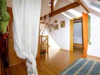 předsíň - podkroví - Prodej domu v osobním vlastnictví 380 m², Ústí nad Labem