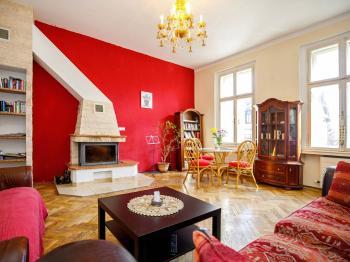 salónek s krbem v přízemí - Prodej domu v osobním vlastnictví 380 m², Ústí nad Labem