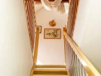 schodiště do podkroví - Prodej domu v osobním vlastnictví 380 m², Ústí nad Labem