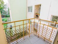 balkon (Prodej bytu 2+1 v osobním vlastnictví 68 m², Praha 10 - Vršovice)