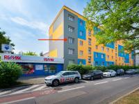 umístění bytu - přední vchod (Prodej bytu 2+1 v osobním vlastnictví 58 m², Praha 4 - Krč)