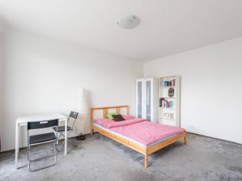 Pokoj - Prodej bytu 1+1 v osobním vlastnictví 34 m², Praha 4 - Krč
