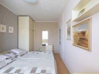 Ložnice - Prodej bytu 3+1 v osobním vlastnictví 80 m², Praha 10 - Horní Měcholupy