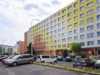 Pohled na dům - Prodej bytu 3+1 v osobním vlastnictví 80 m², Praha 10 - Horní Měcholupy