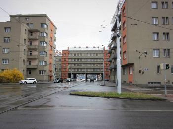 Pohled na dům zezadu - Prodej bytu 3+1 v družstevním vlastnictví 133 m², Ostrava