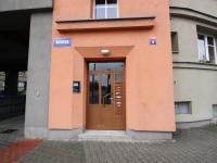 Vchod domu - Prodej bytu 3+1 v družstevním vlastnictví 133 m², Ostrava