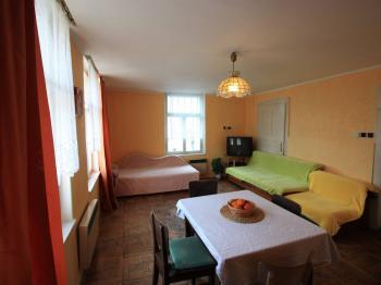 Obývací místnost - Prodej domu v osobním vlastnictví 103 m², Jablonec nad Jizerou