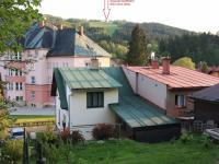 Pohled z pozemku na nedalekou sjezdovku - Prodej domu v osobním vlastnictví 103 m², Jablonec nad Jizerou
