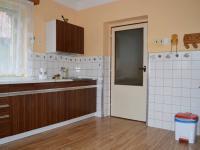 kuchyň (Prodej domu v osobním vlastnictví 136 m², Měňany)
