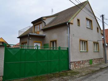 Prodej domu v osobním vlastnictví 136 m², Měňany