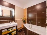 Koupelna - Prodej bytu 2+1 v osobním vlastnictví 149 m², Ostopovice