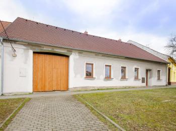 Prodej domu v osobním vlastnictví 205 m², Blučina