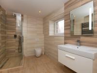 Koupelna s WC - Pronájem bytu 4+kk v osobním vlastnictví 186 m², Bohutice