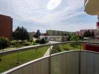 Pohled z balkonu - Prodej bytu 2+1 v osobním vlastnictví 62 m², Hrušovany u Brna