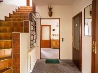 schodiště do 3.NP - Prodej domu v osobním vlastnictví 287 m², Brno