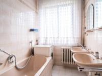 koupelna - Prodej domu v osobním vlastnictví 287 m², Brno