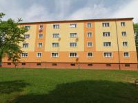byt ve 3.patře (Prodej bytu 2+1 v osobním vlastnictví 65 m², Ostrov)