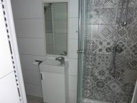 koupelna (Pronájem bytu 2+kk v osobním vlastnictví 46 m², Karlovy Vary)