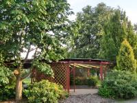 pergola v parčíku pro místní  (Prodej domu v osobním vlastnictví 250 m², Otročín)