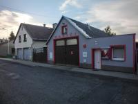 hasičská zbrojnice v obci (Prodej domu v osobním vlastnictví 250 m², Otročín)