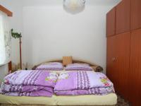 ložnice 2 v patře (Prodej domu v osobním vlastnictví 250 m², Otročín)