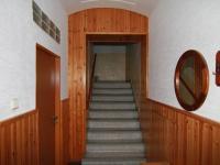 chodba přízemí  (Prodej domu v osobním vlastnictví 250 m², Otročín)