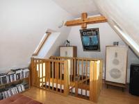 pokoj 1 pod střechou - Prodej bytu 6+1 v osobním vlastnictví 160 m², Karlovy Vary