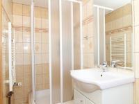 koupelna 2b a WC patro - Prodej bytu 6+1 v osobním vlastnictví 160 m², Karlovy Vary