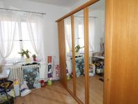 pokoj 6 šatna - Prodej bytu 6+1 v osobním vlastnictví 160 m², Karlovy Vary