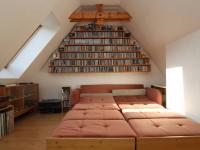 pokoj 1b pod střechou - Prodej bytu 6+1 v osobním vlastnictví 160 m², Karlovy Vary