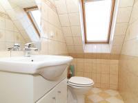 koupelna 2  a WC patro - Prodej bytu 6+1 v osobním vlastnictví 160 m², Karlovy Vary