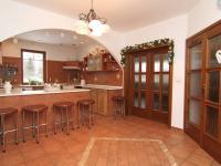 kuchyň přízemí - Prodej domu v osobním vlastnictví 250 m², Ostrov