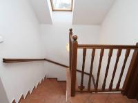 schodiště - Prodej domu v osobním vlastnictví 250 m², Ostrov