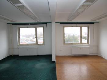 Kancelář 50m2 (4.p.) - Pronájem kancelářských prostor 50 m², Karlovy Vary