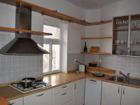 myčka, plynový sporák (Pronájem bytu 3+kk v osobním vlastnictví 145 m², Praha 2 - Vinohrady)