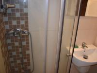 koupelna (Prodej bytu 3+1 v osobním vlastnictví 83 m², Praha 4 - Háje)