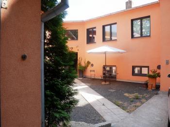 Pronájem komerčního objektu 60 m², Praha 9 - Vysočany