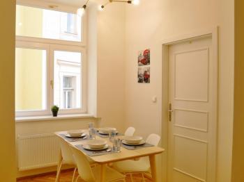 Pronájem bytu Atypický v osobním vlastnictví 25 m², Praha 3 - Žižkov