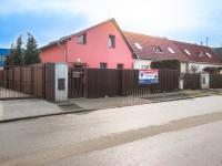 Pohled na dům (Prodej domu v osobním vlastnictví 98 m², Praha 10 - Hostivař)