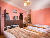 Pokoj v přízemí (Prodej domu v osobním vlastnictví 98 m², Praha 10 - Hostivař)