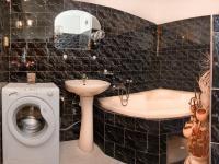 koupelna (Prodej bytu 1+1 v osobním vlastnictví 41 m², Praha 8 - Čimice)
