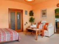 obývák (Prodej bytu 1+1 v osobním vlastnictví 41 m², Praha 8 - Čimice)