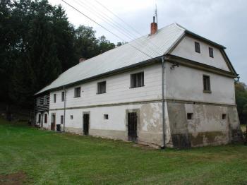 Pohled na dům - Prodej zemědělského objektu 298 m², Česká Lípa
