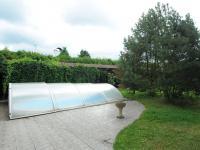bazén s protiproudem (Prodej domu v osobním vlastnictví 300 m², Řitka)