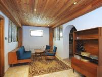 společenská místnost (Prodej domu v osobním vlastnictví 300 m², Řitka)