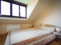 ložnice 1 (Prodej bytu 3+1 v osobním vlastnictví 60 m², Žacléř)