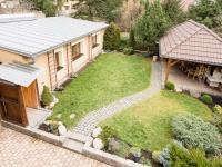 pohled z balkonu (Prodej domu v osobním vlastnictví 200 m², Unhošť)