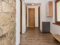zádveří (Prodej domu v osobním vlastnictví 200 m², Unhošť)